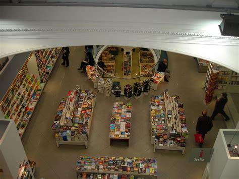 via nazionale libreria melbookstore conferenze in libreria negozi di roma