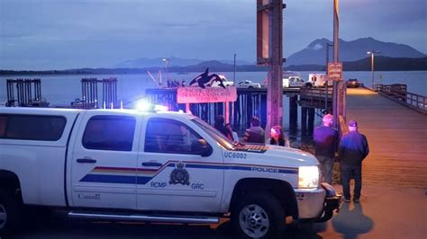 boat sinking vancouver whale watching boat sinks off british columbia 5 dead 1