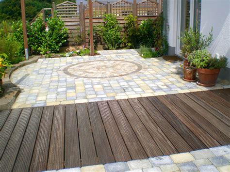 terrasse stein holz kombination terrasse holz und stein kombinieren bvrao