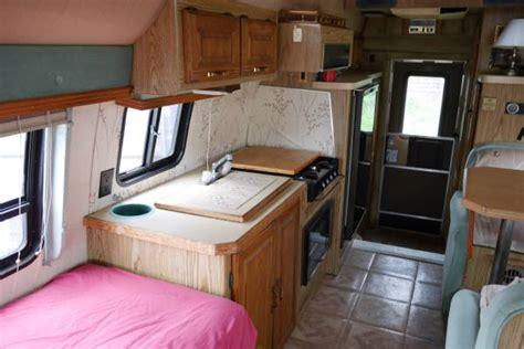 vintage class  motorhome  ford travelcraft camper