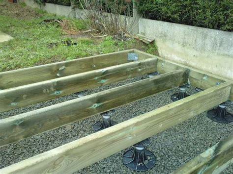 Faire Une Terrasse En Béton 3786 terrasse composite sur plots 224 verin sans dalle b 233 ton