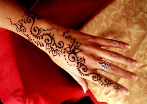 henna pattern meaning henna pattern tradition meaning fashion trend fresh