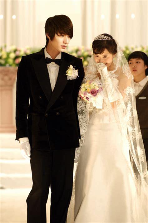 Komik Serial Cantik One Shoot A Secret Marriage Ando Mai photos boys flowers 2 filmed in secret
