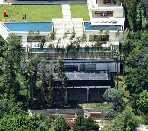 jay z and beyonce house the incredible 163 94million mega mansion jay z and beyonce are hoping to make their new la home
