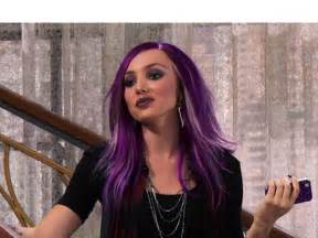peyton list s purple hair new hue for jessie episode
