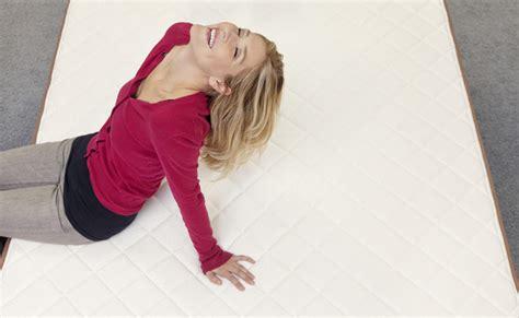 gesund schlafen matratze gesund schlafen matratzen gegen r 252 ckenschmerzen