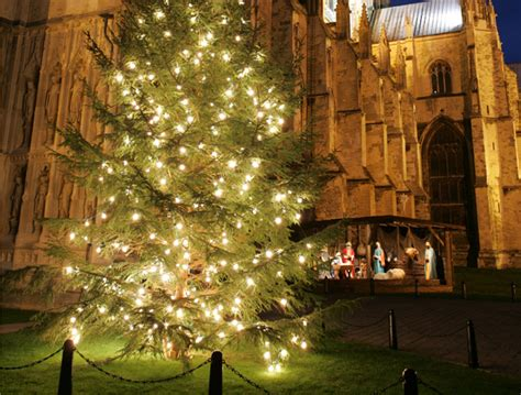 free parking during christmas light switch on s in
