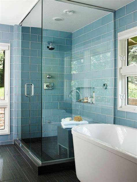 blaue badezimmerwände 120 moderne designs glaswand dusche archzine net