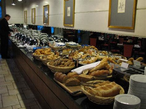 buffet breakfast picture of hilton innsbruck innsbruck