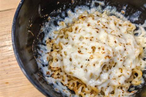 ropang   jakarta  instant noodle fans