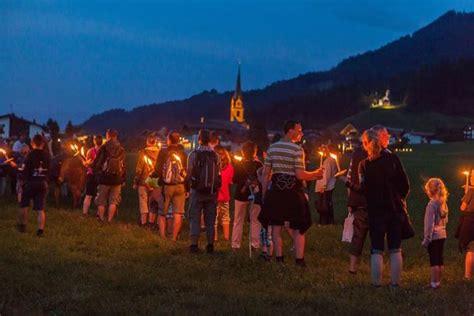 wandlen fackeln guided torchlight walk