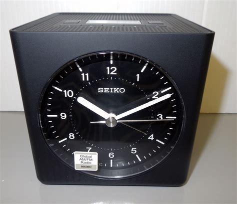 l radio alarm clock seiko global am fm radio alarm clock qhe112klh ebay