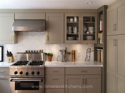 Timeless Kitchen Cabinet Colors Timeless Kitchens Custom Kitchen Cabinetry San Francisco Traditional Photo 1