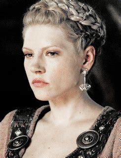 lagertha lothbrok hair braided mine mine gifs flawless queen vikings katheryn winnick