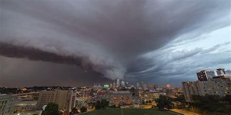 doors n more kansas city gorgeous time lapse shows thunderstorm devour