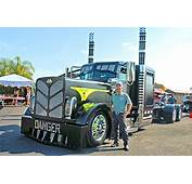 2014 A Custom BIG RIGS Videos 75 Chrome Shop