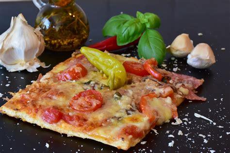 resep membuat pizza ncc resep mudah membuat pizza sosis ibudanmama