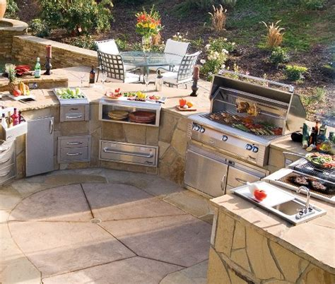 the backyard kitchen outdoor kitchen design ideas home design garden