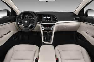 Hyundai Elantra Dashboard 2017 Hyundai Elantra Reviews And Rating Motor Trend