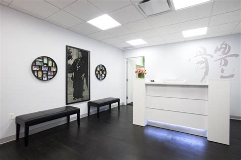 front desk receptionist nyc chiropractic nyc clinic gallery chiropractic