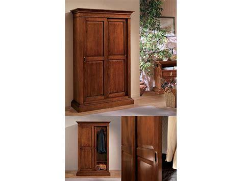 armadio ante scorrevoli legno armadio a due ante scorrevoli in legno