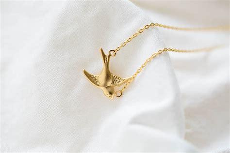 Bird Pendant Necklace bird pendant necklace bird nekclaces flying bird necklaces