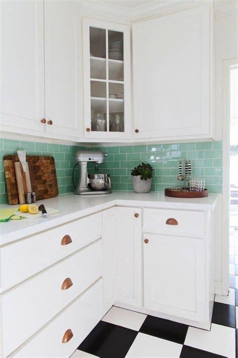 kitchen upgrades ideas best 25 easy kitchen updates ideas on oak cabinets redo kitchen cabinet makeovers
