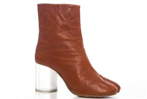 maison martin margiela leather tabi ankle boots with