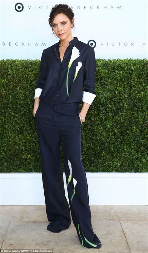 Vic Set 2in1 Jumper Sporty tiffani thiessen goes casual at beckham event daily mail