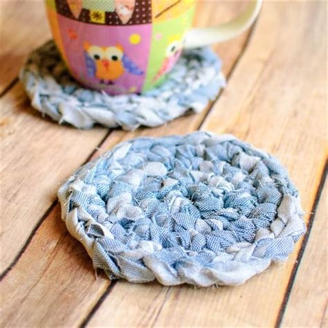 fabric yarn pattern 10 diy upcycled fabric scraps crafts diy to make