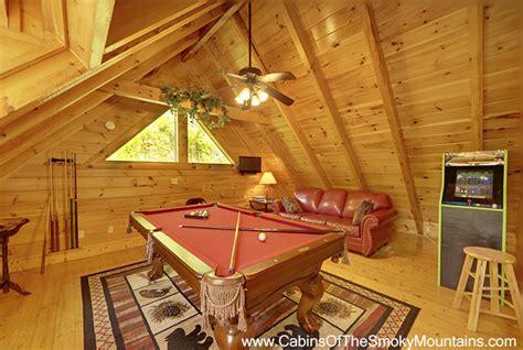 smoky creek cabins hilltop hideaway pigeon forge and gatlinburg pigeon forge cabin cozy creek hideaway 1 bedroom