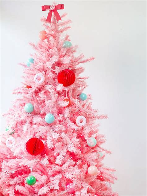 creative ways to decorate your christmas tree home
