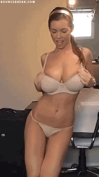 You're Gonna Wanna See This (Boobs & Ass Vid)