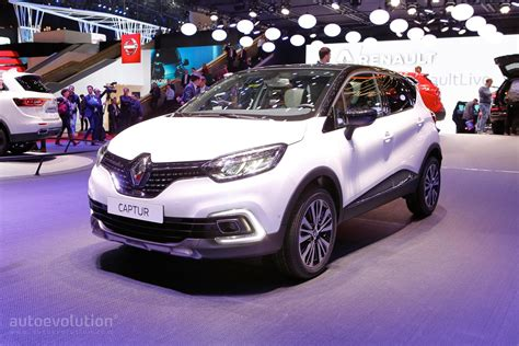 captur renault 2017 2017 renault captur shows leds at geneva motor show