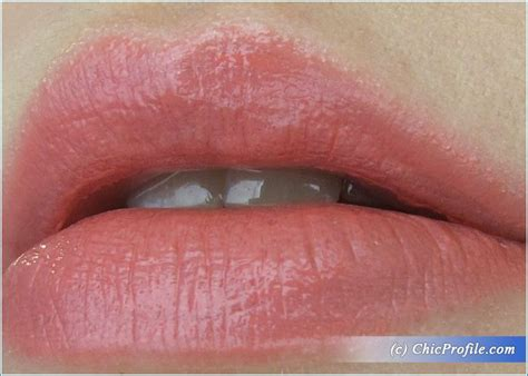 Revlon Pink In The Afternoon gradient gray makeup look trends and