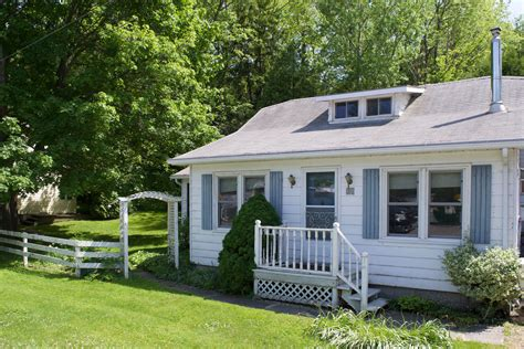 Bayfield Cottages For Rent by 34 Hill Road Bayfield On Cottages For Rent