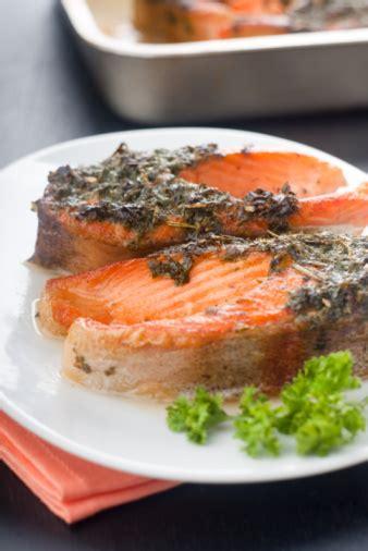 come cucinare salmone al forno salmone al forno 60471 tomato