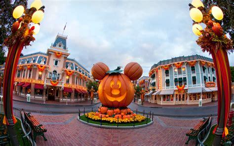 imagenes de halloween fest california adventure is getting in on halloween for the