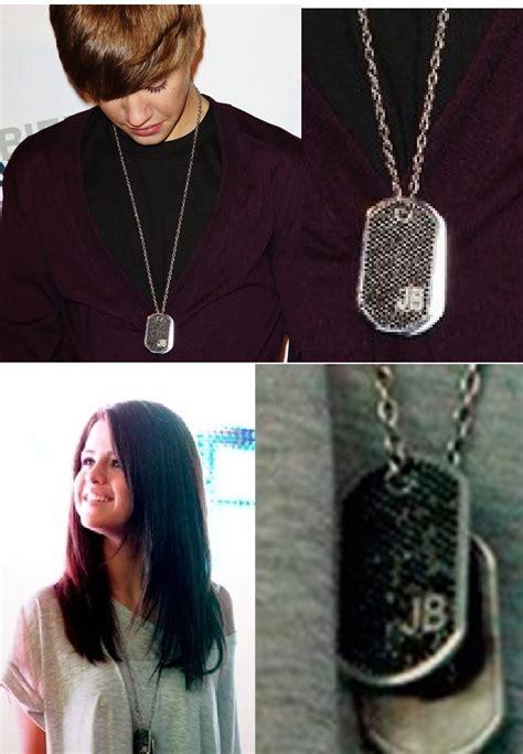 justin gave selena his necklace justin bieber photo