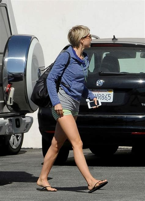 sharee hough dance studio julianne hough in shorts leaves a dance studio in los