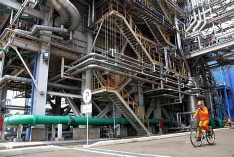 Setrika Uap Bahan Bakar Gas pembangkit listrik ramah lingkungan diresmikan di papua republika