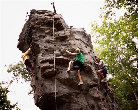 outdoor rock climbing wall at skytop lodge recreation at