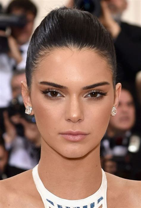 Wedding Hair And Makeup Kendal by 17 Best Ideas About Kendall Jenner Makeup On