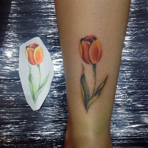 tulip flower tattoo designs amazing tulip ideas flowertattooideas