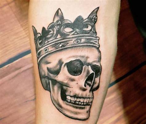 totenkopf tattoos 20 ideen mit bedeutung