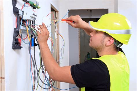 home electrician average electrician salary 2018 how much do electricians