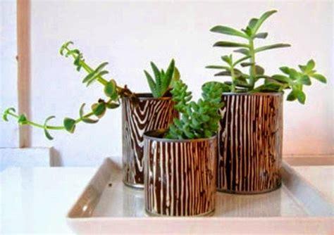 membuat pot bunga  kaleng bekas unik