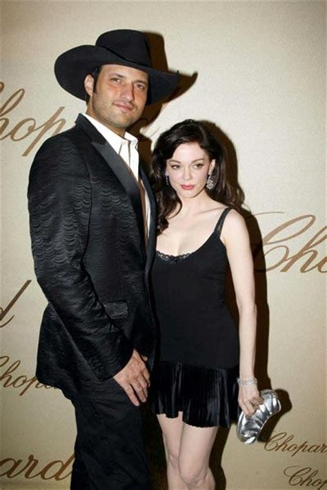 Is Mcgowan Engaged by Robert Rodriguez Celebrielle