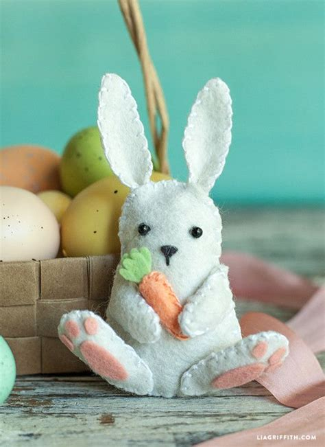 pin easter bunny free patterns and bunny motifs on pinterest felt easter bunny pattern and tutorial from lia griffith