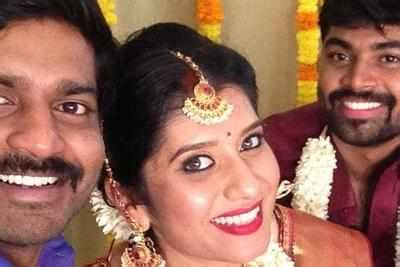 vijay tv priyanka marriage photos vijay tv anchor priyanka ties the knot times of india